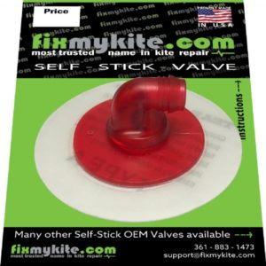 Fixmykite.com CORE 90-degree One Pump System Ventil auf einem 7.5cm /3inch Tear-Aid Patch